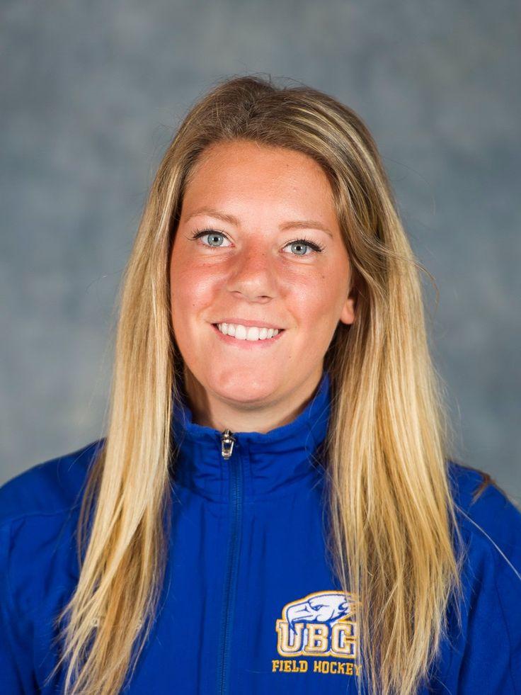 Congratulations to #WVFHC back, Rockridge grad Amy Jones (Freshman) on making the 2015 @University of British Columbia Field Hockey Team