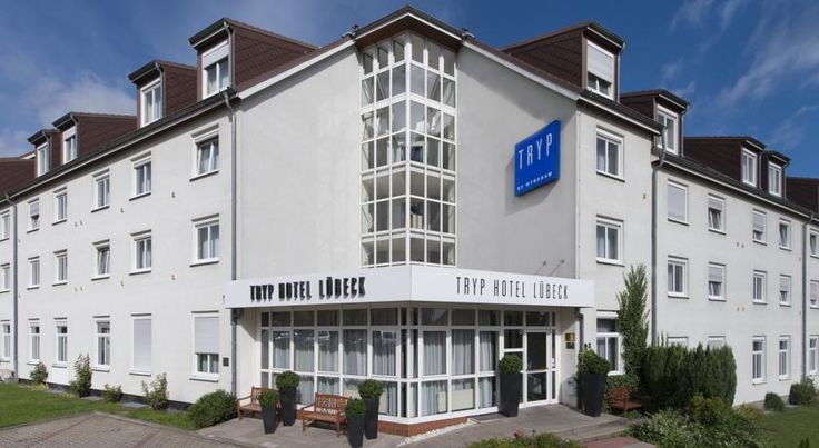 Tryp by Wyndham Luebeck Aquamarin Lübeck A traditional seafood restaurant, free parking and rooms with free Wi-Fi and flat-screen TV are offered at this 3-star hotel, located a 10-minute bus journey from Lübeck's historic city centre.