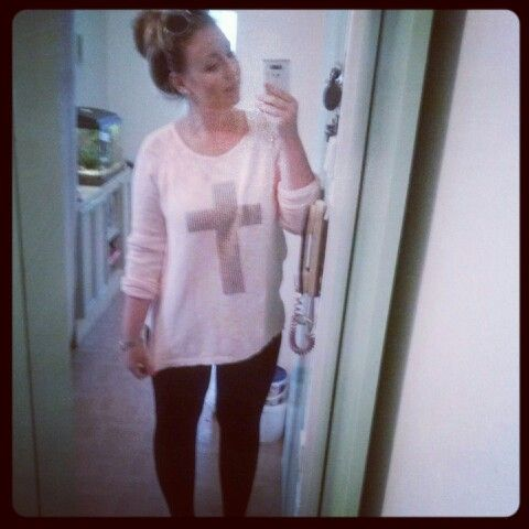 OOTD #leggins #cross #sweater