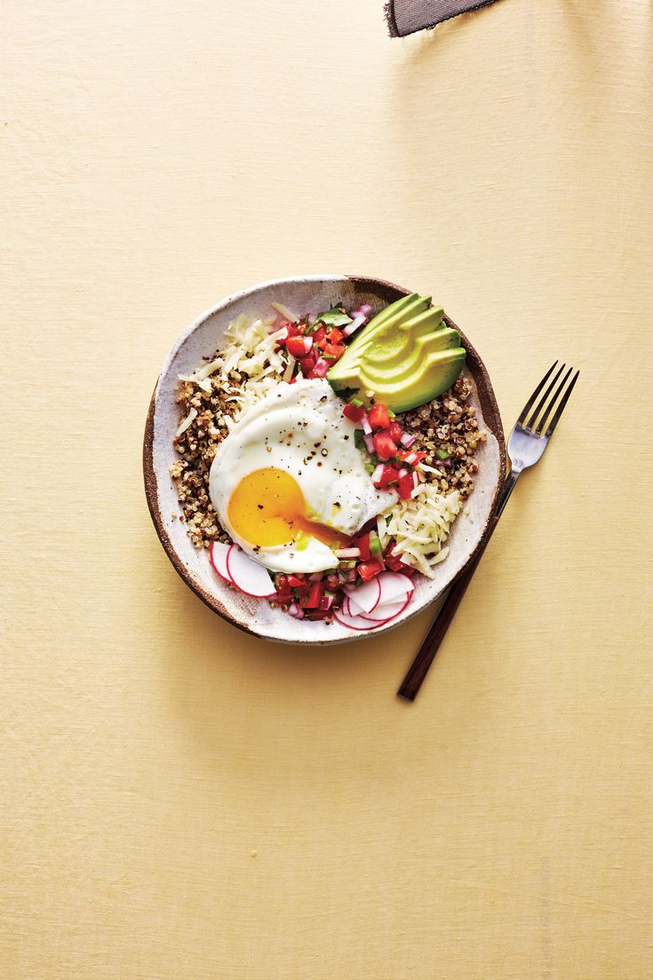 This Quinoa Rancheros Bowl Is Going to Be Your New Favorite Breakfast Clean Recipes, Cooking Recipes, Healthy Recipes, Diet Recipes, Healthy Food, Recipies, Healthy Eating, Nutritious Breakfast, Healthy Breakfasts