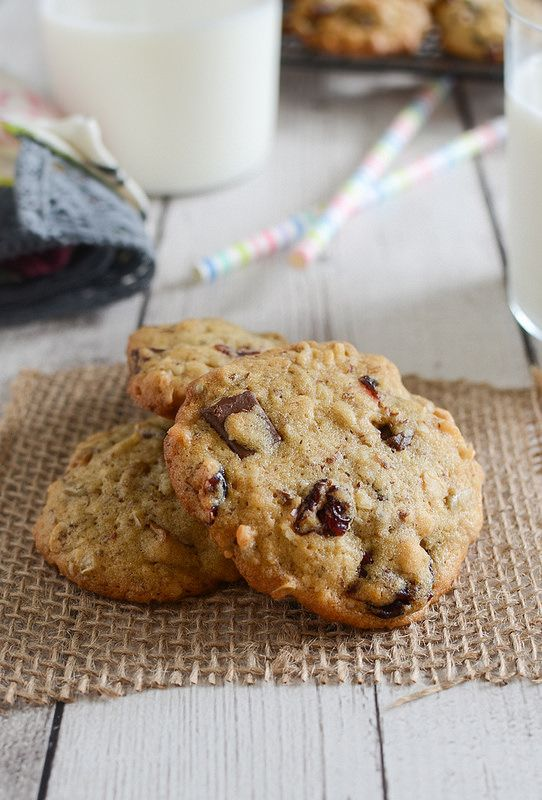 Granola Cookies - healthy and delicious recipe. Filled with flax seeds, cranberries, sunflower seeds, oats, and chocolate chunks.: