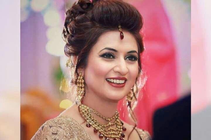 Pin By Mino On Wedding Album Of Divek Hairstyle Asian Beauty Girl Divyanka Tripathi Wedding