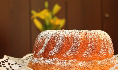 Rezeptbild: Eierlikörkuchen mit dem Gelben Klassiker ''Superlecker''