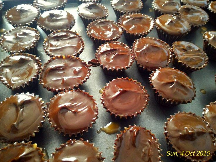3 ingredients home made peanut butter cups. Mine!