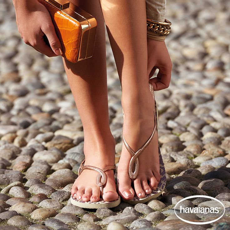 What texture combo is your favourite? We like metallic and a pop of colour to give an urban city edge to any summer outfit. Give your flip flops some attitude this season. ‪#‎Havaianas‬ ‪#‎summeriscoming‬