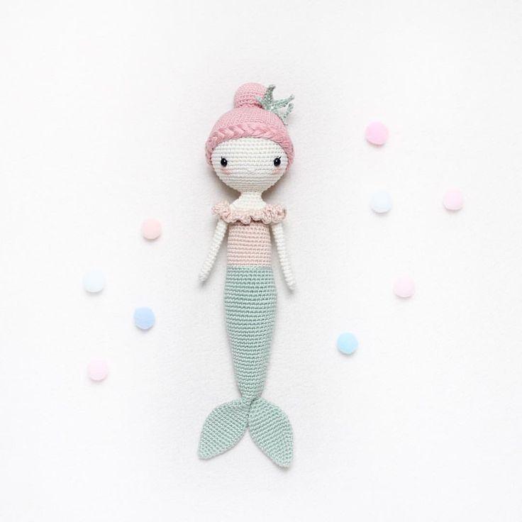 """2,858 Likes, 77 Comments - Kikalite (@kikalite) on Instagram: """"Meine Meerjungfrau Mira wünscht einen wunderschönen Tag. Die Anleitung gibt es auf Deutsch,…"""""""