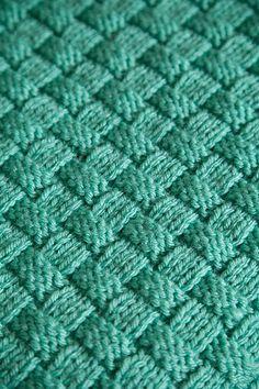 Comfort Knit Pet Blanket - Knitting Patterns and Crochet Patterns from KnitPicks.com