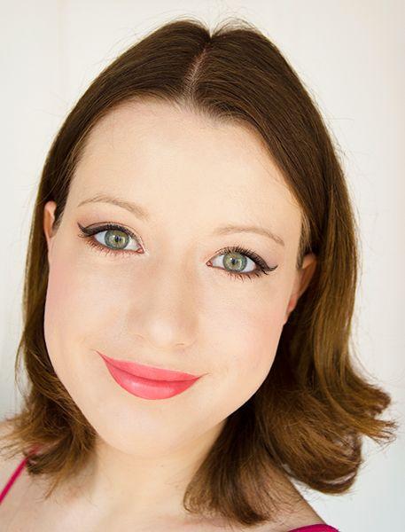 Rouge à lèvres corail - Jealous (Sephora) #blog #beaute #maquillage #makeup #levres #rouge #corail #semimat #opaque #cremeux #printemps #ete #jealous #sephora #swatch http://mamzelleboom.com/2014/07/03/rouge-levres-corail-opaque-pigmente-parfait-ete-jealous-sephora/