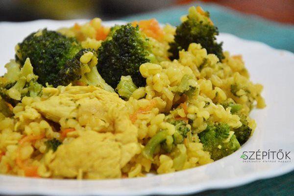 Színes egytálétel: brokkolis-répás bulgur csirkemellel