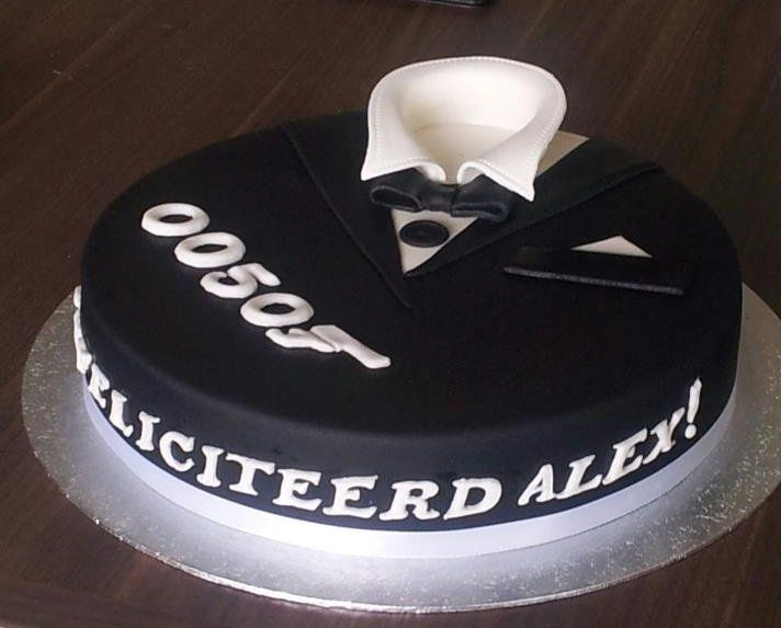 Birthdaycake, man. James Bond, 50, tuxedo, verjaardagstaart, smoking, 3D