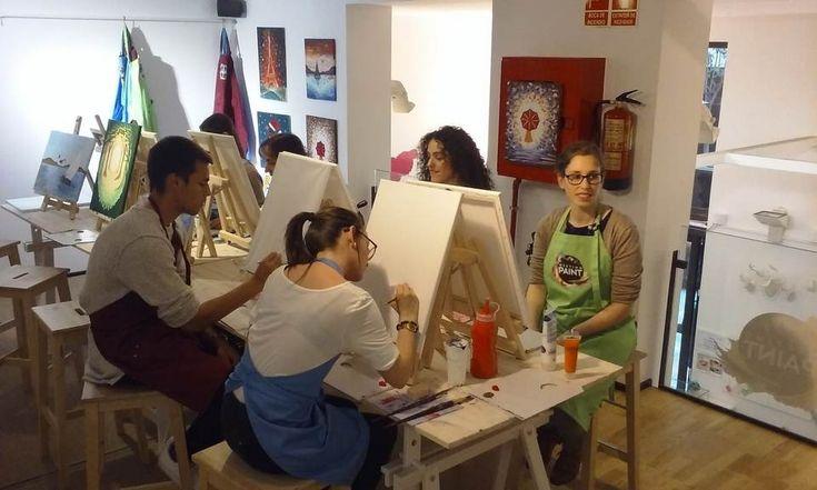 Aprender a pintar y tomar cañas a la vez es posible en Madrid con Meeting Point