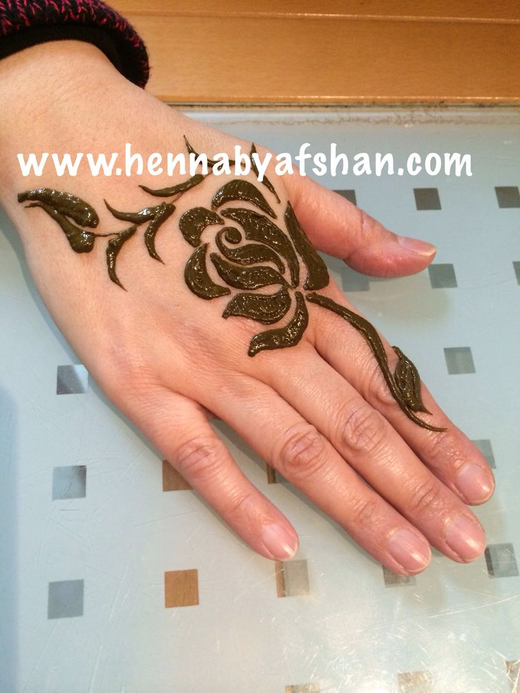 Rose Henna Tattoo Designs On Wrist: Best 25+ Rose Henna Ideas On Pinterest