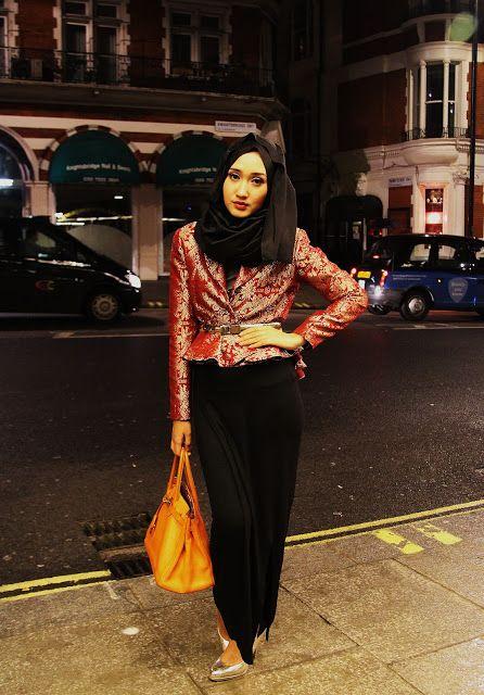 she's awasome in so many ways.. #DianPelangi #Hijabi #FashionHijab #HijabGirl