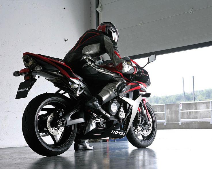 cool Motorcycle History   The Honda CBR600 Series   BikeBanditcom