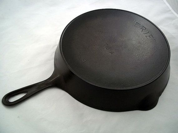 Antique Cast Iron Skillet Pre-Griswold by EclectiquesBoutique