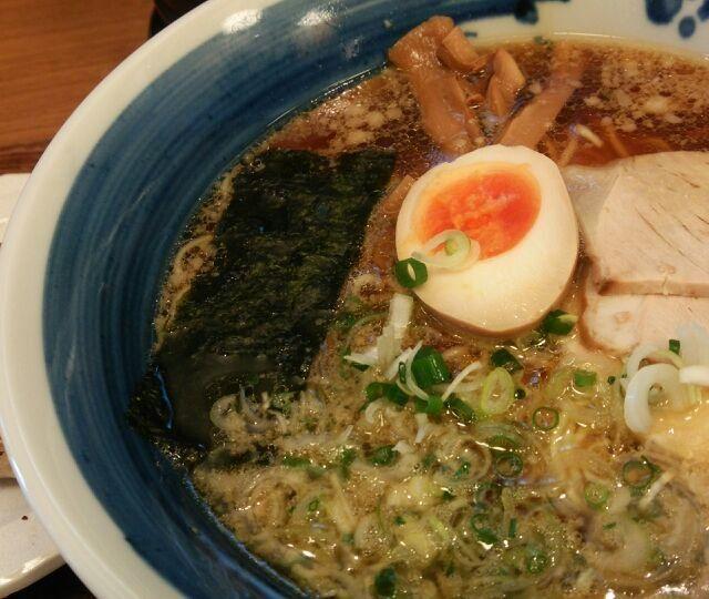 ここのお出汁。時々食べたくなり行きます♪ - 17件のもぐもぐ - 名古屋コーチン出汁の「らーめん直久」こく旨醤油ラーメン by FFY
