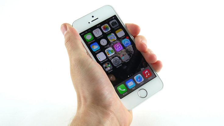 iPhone 5S and 5C sales hit 9 million in three days | Apple announces its best iPhone launch yet... which is a bit easier considering it's hawking two phones. Buying advice from the leading technology site