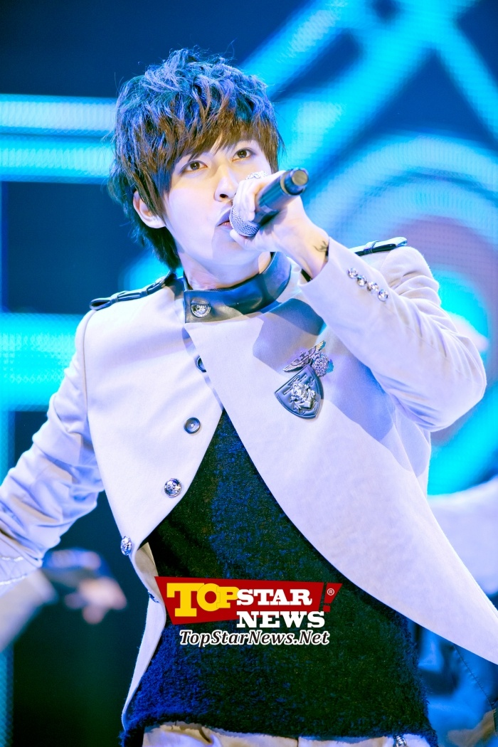 Block B's Jaehyo, 'Charismatic dance' … Opening ceremony for 'MU:CON Seoul 2012' [KPOP PHOTO]