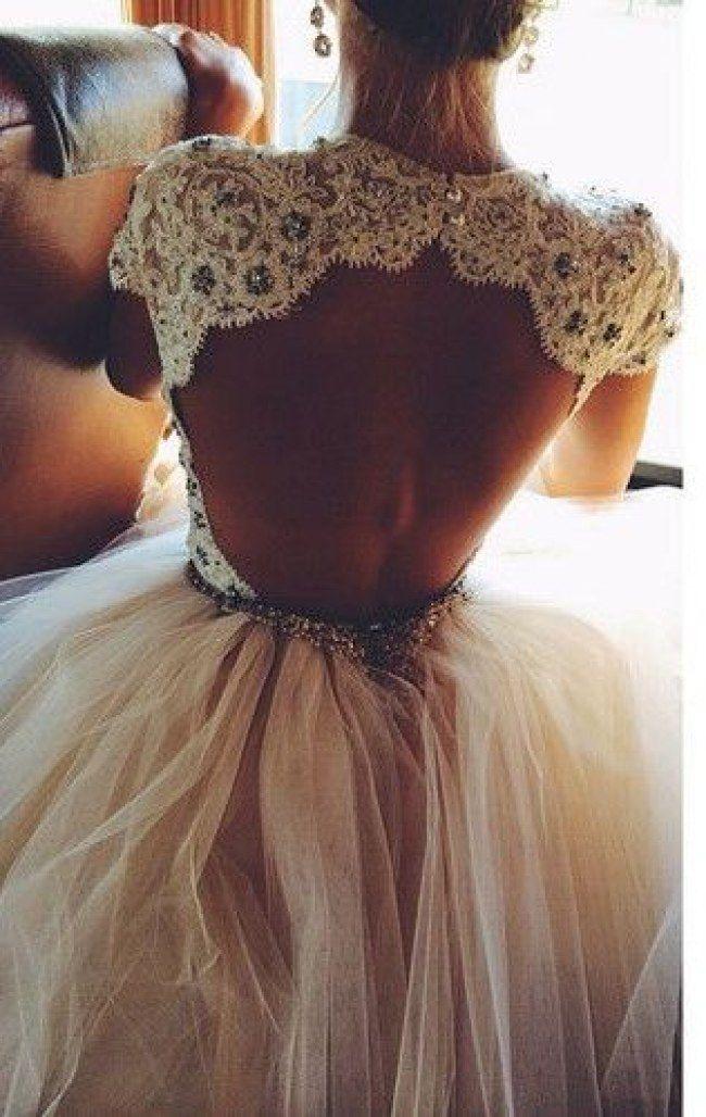 Vestido de noiva com decote nas costas                                                                                                                                                      Mais