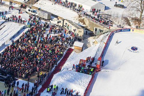 Romania a organizat etape de Cupa Mondiala la sarituri cu schiurile