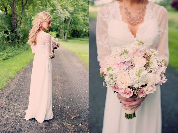 Bohemian Barn Wedding roses, stock, wax flower, babies breath, spray roses