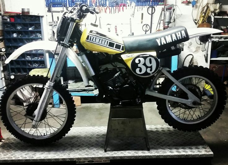 Yamaha yz 125 Bob Hannah Replica restore.  WORK IN PROGRESS
