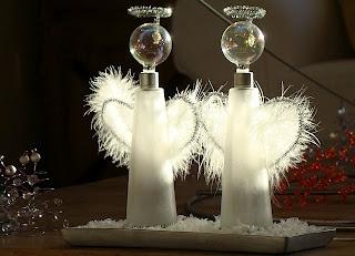 """LACA """"Lo Atamos Con Alambre"""": Angelitos con frascos de perfume reciclados"""