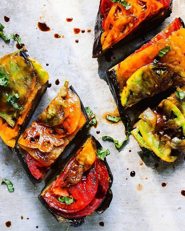 Basil Roasted Eggplant mit Erbstücktomaten   – Whole foods plant based (WFPB)