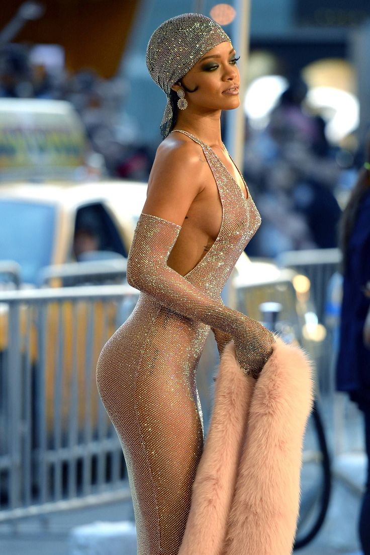 Rihanna at the CFDA AWARDS 14 #styleicon