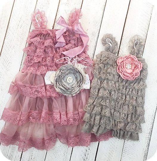 This matching sister dress/outfit set comes with a mauve lace dress with large grey flower headband and a matching little sister romper in grey with matching headband. Great for girls for birthdays, weddings, and those family photos.