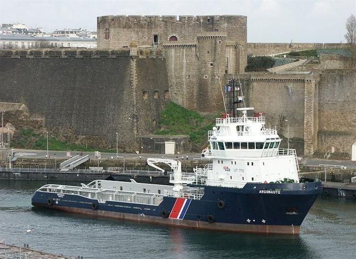 Le bâtiment de soutien, d'assistance et de dépollution (BSAD) Argonaute en Penfeld à Brest