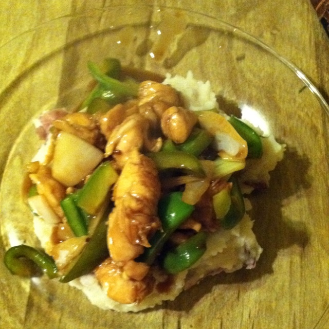 Chicken teriyaki with red mashed potatoes onion and green pepper ...