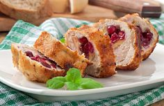 Εσύ θα δοκιμάσεις το γεμιστό κοτόπουλο με τυρί και cranberries; - http://ipop.gr/sintages/poulerika/esi-tha-dokimasis-to-gemisto-kotopoulo-me-tiri-ke-cranberries/
