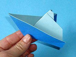 die besten 25 papierschiffe falten mit kindern ideen auf pinterest papierschiff falten kinder. Black Bedroom Furniture Sets. Home Design Ideas