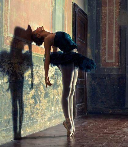 One of the most beautiful forms of dance to catch on camera #ballet