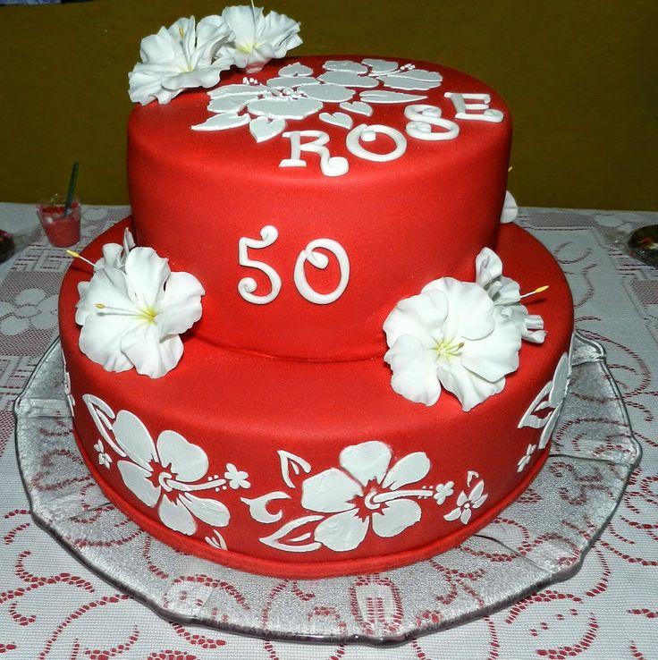 Bolo Vermelho e Branco com Flores em Relevo - Rosemary