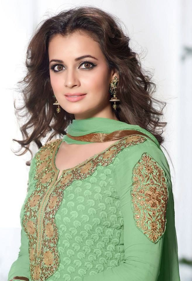 Stunning Photoshoot of Dia Mirza in Tradtional Outfit