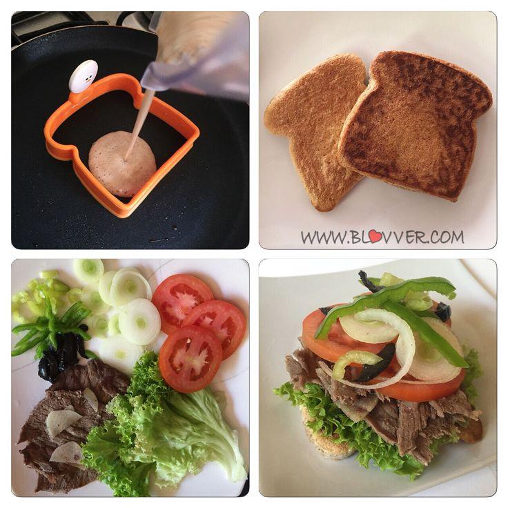 Sandwich saludable    Por @SweetFran Como no amar los sandwich? Bueno aca hice mi version rapida para el almuerzo. Ingredientes: Para el pan -3 claras de huevo -2 cdas de harina de avena o harina integral -1 cda de salvado de trigo -1 cdta polvos de hornear -1 cda de agua -un toque …