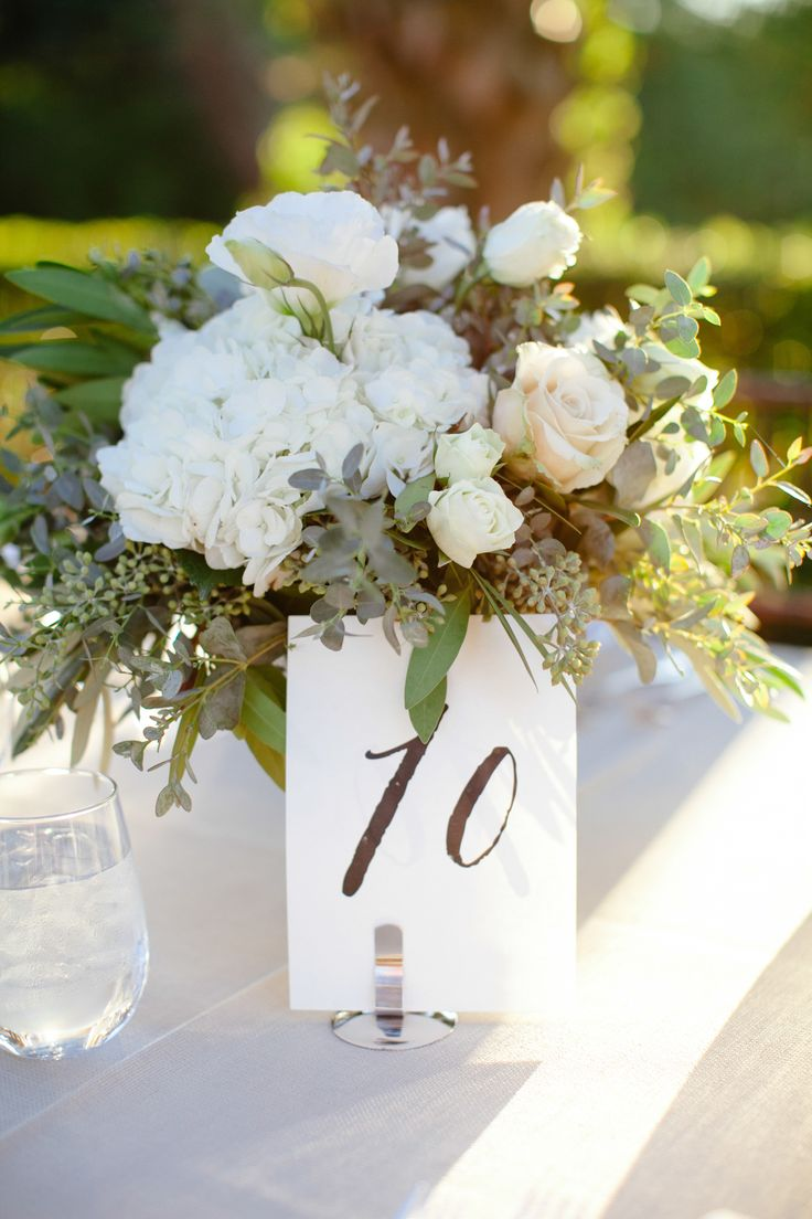 Low + Simple + Elegant #Centerpieces | #AlFresco Wedding | See the wedding on SMP -  http://www.StyleMePretty.com/2014/01/10/al-fresco-austin-wedding/ Photography: The Nichols