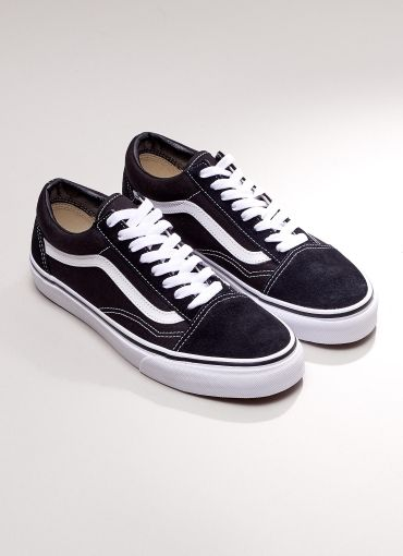 ~*FOLLOW US: @ PEPPERMAYO*~ For more cuteness and daily fashion Inspo! [Old Skool Sneaker - Black + White]