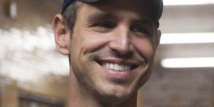 Greg Berlanti To Introduce Gay Character On Hit CW Show