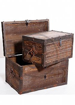DCSE - Trunks set decoration, made of wood and metal, high-quality product, antique finish, carrying grip and hinged lid with lock, with metal fittings. Vintage decoration.