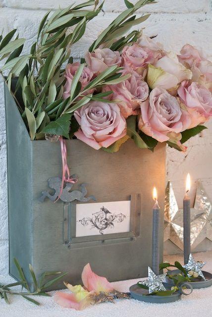 """Hoy, en esta peculiar escuela de botánica en la que también aprendemos algo de historia, anécdotas y curiosidades relacionadas con las plantas, hablaremos de San Jordi, del amor, de tradiciones y del lenguaje de las rosas. El """"Día de San Jorge"""" conmemora la muerte de Jorge de Capadocia, el 23 de abril del año 303.…"""