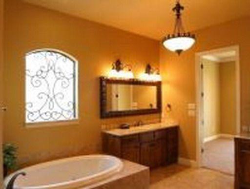 Имитация окна в интерьере ванной комнаты