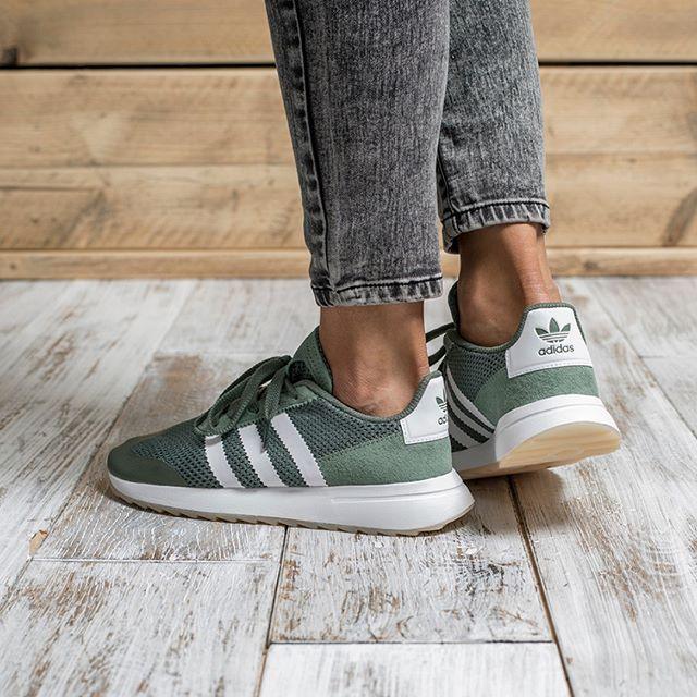 brand new 13be6 d94fb adidas Originals Flashback   OMG!...SHOES! in 2019   Adidas shoes, Adidas  sneakers, Addidas originals shoes