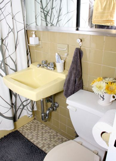 AT uniquely colored bathroom redo without obligatory tile ripping  Smoothly done. 17 Best ideas about Yellow Tile Bathrooms on Pinterest   Yellow