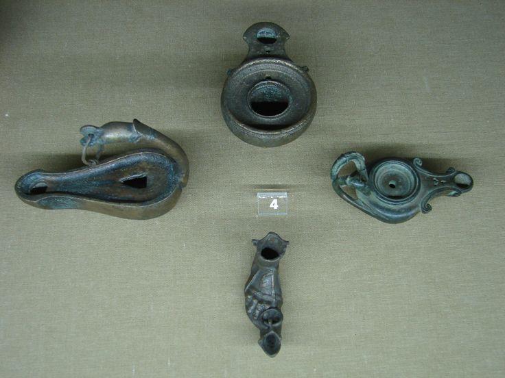 Масляные лампы. Бронза. I-III вв. н.э. Одессос (Варна). Oil lamps. Bronze. 1st-3rd c. AD. Odessos (Varna).