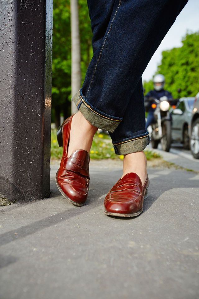 """NEVER CAUGHT DEAD WEARING...""""Very high heels or pointy pumps. If I'm uncomfortable, I look dumb!""""   - ELLE.com"""