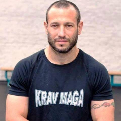 Suite à plusieurs demandes, voici à ce jour la liste des Clubs de Combat Krav Maga et Instructeurs pour la France : - St Brieuc ( 22) Breizh Team Formation avec Fabien Mahéo ( 1 er Instructeur) - Rennes (35) Défenses Tactiques avec Frédéric Faudemer -...