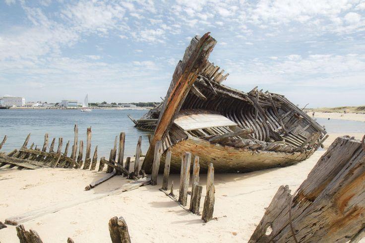 Cimetiere de bateaux dans le Morbihan, Bretagne-France #shipwreck #ship-graveyard